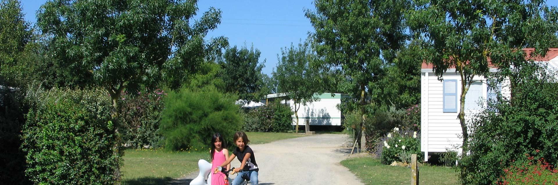 les hébergements du camping le Ragis en Vendée