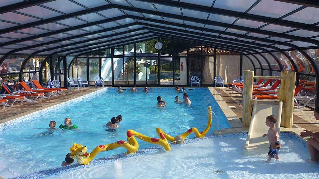 camping piscine couverte vendée